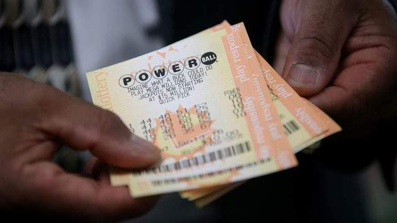 cutoff to buy powerball ticket photo - 1