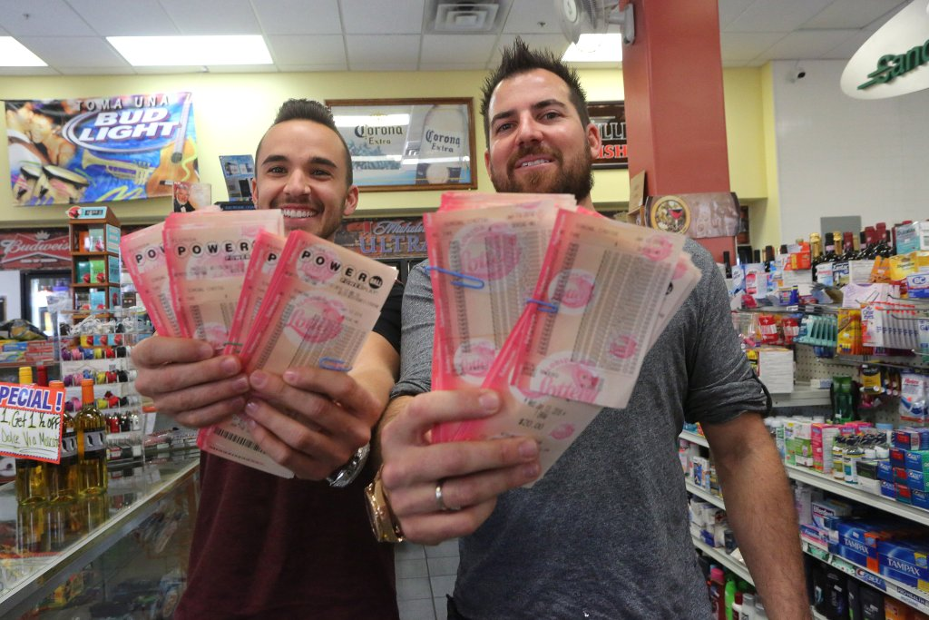 at what time is the powerball drawing photo - 1