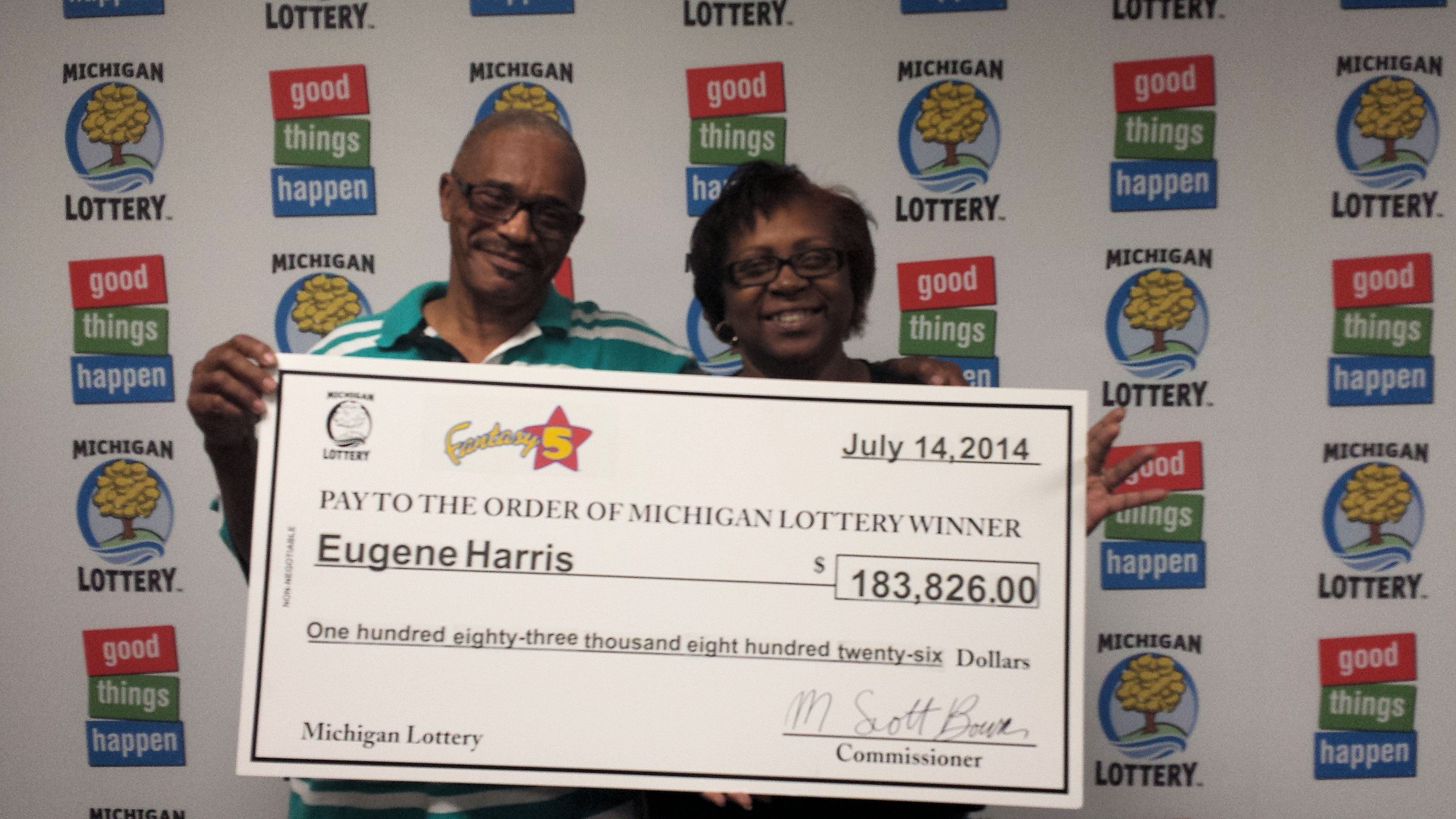 mi powerball winners photo - 1